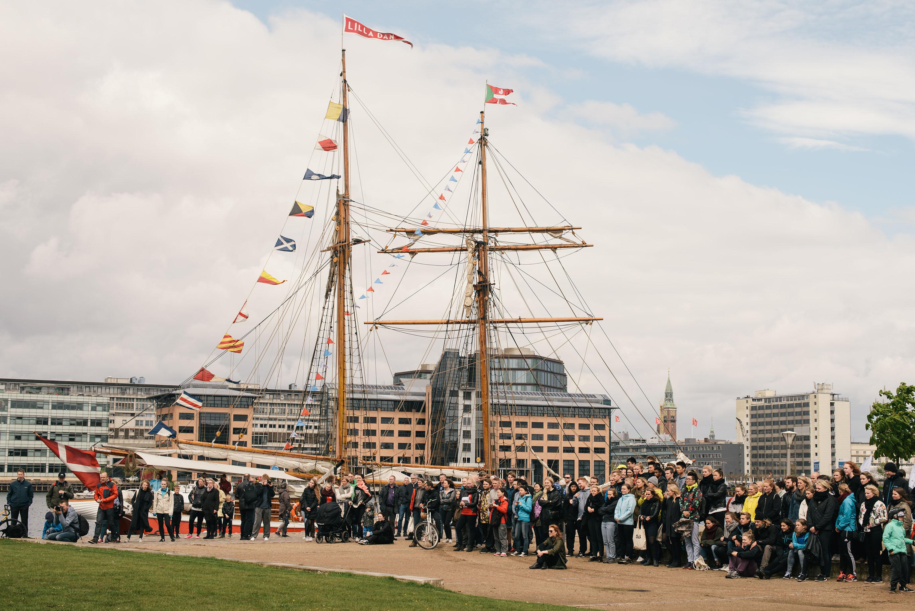 Nu sejler Legeskibet: Mere end 20 stop rundt i Danmark